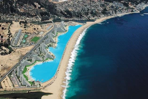 The world 39 s largest outdoor pool real world news - San alfonso del mar resort swimming pool ...