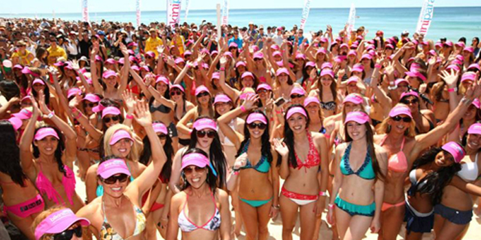 357-scantily-clad-australian-women-just-set-a-new-world-record.jpg