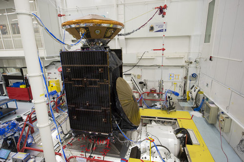 ExoMars_TGO_and_EDM_modules_during_vibration_testing_node_full_image_2.jpg