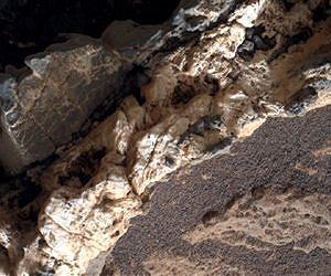 mahli-curiosity-mars-material-within-min
