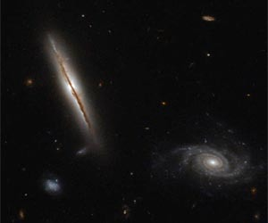 hubble-edge-on-spiral-galaxy-lo95-0313-1