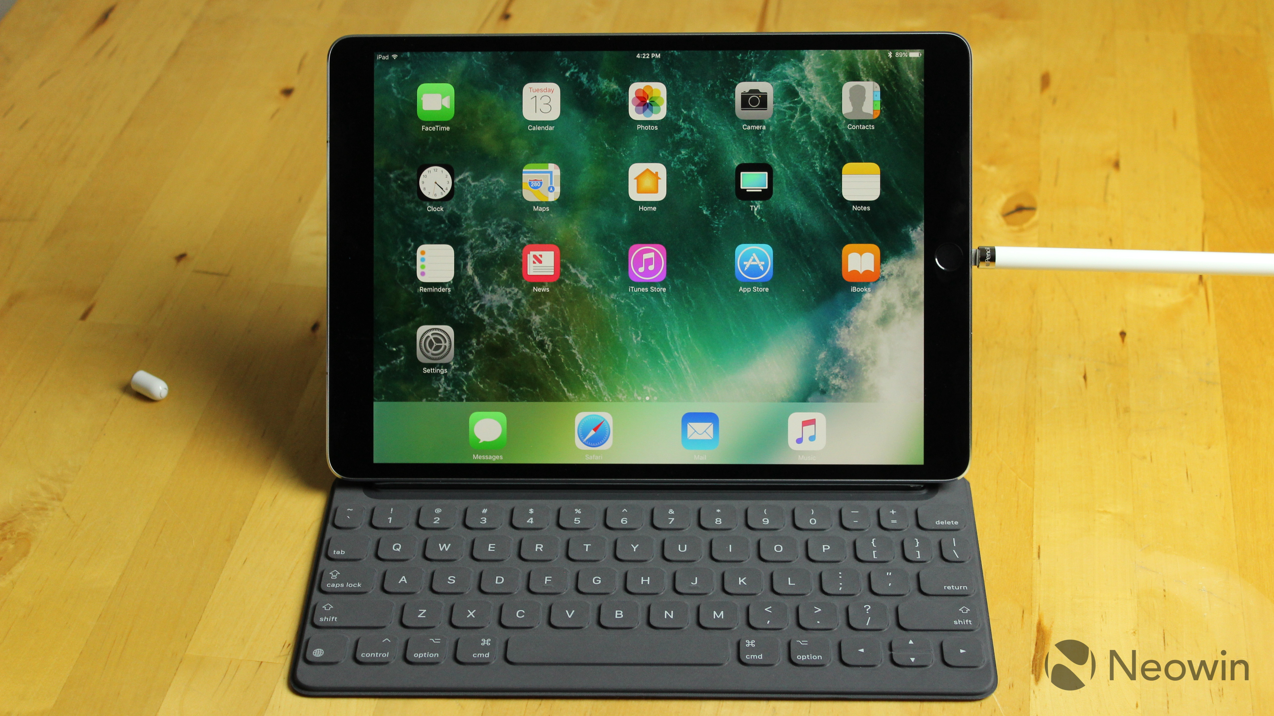 105 Inch Ipad Pro Review Apples 2 In 1 Is Starting To Grow Up 512gb New Silver Wifi Only 1497455512 Img 2173 1497455519 2174 1497455526 2175