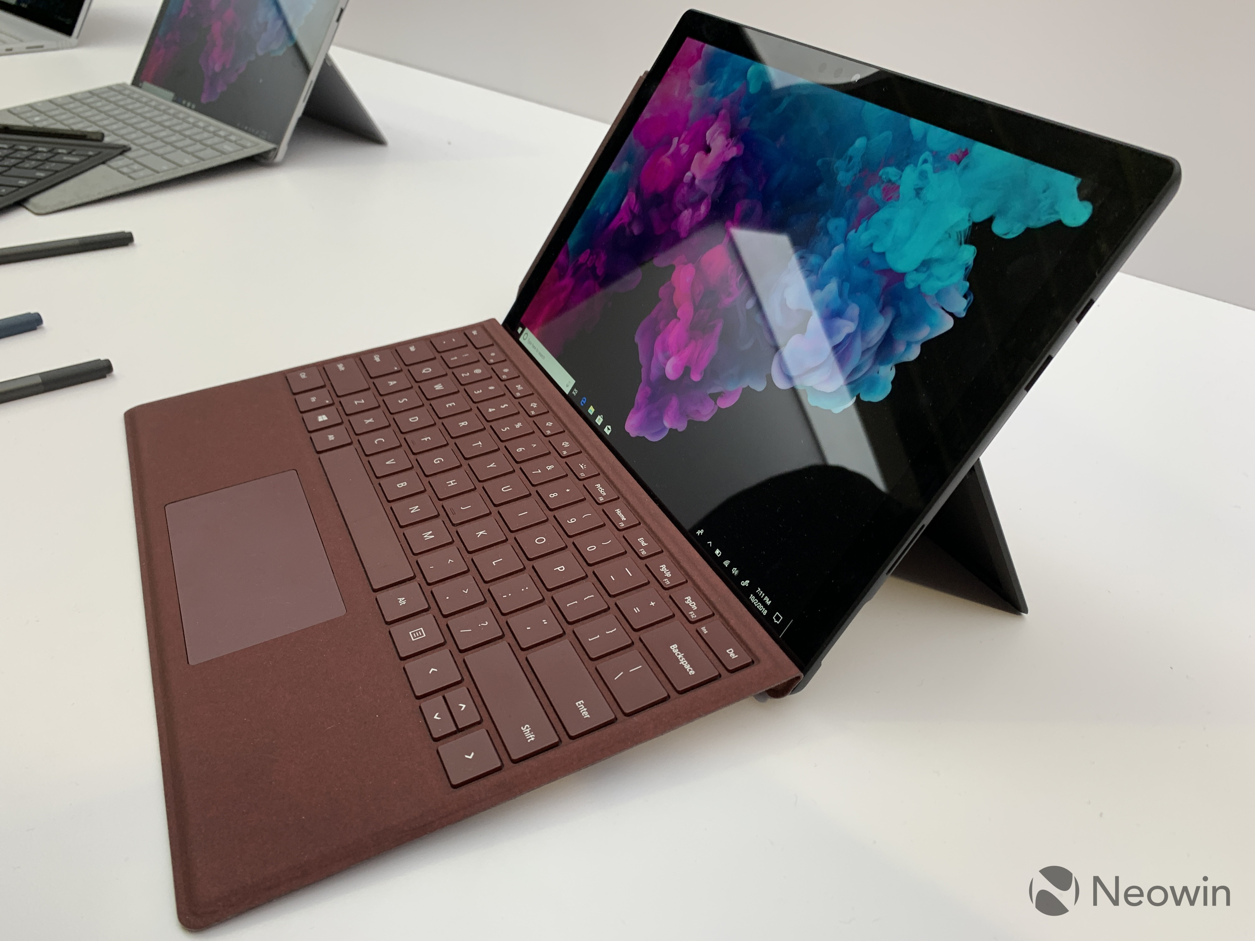 Hands On With The Surface Pro 6 Back In Black Neowin