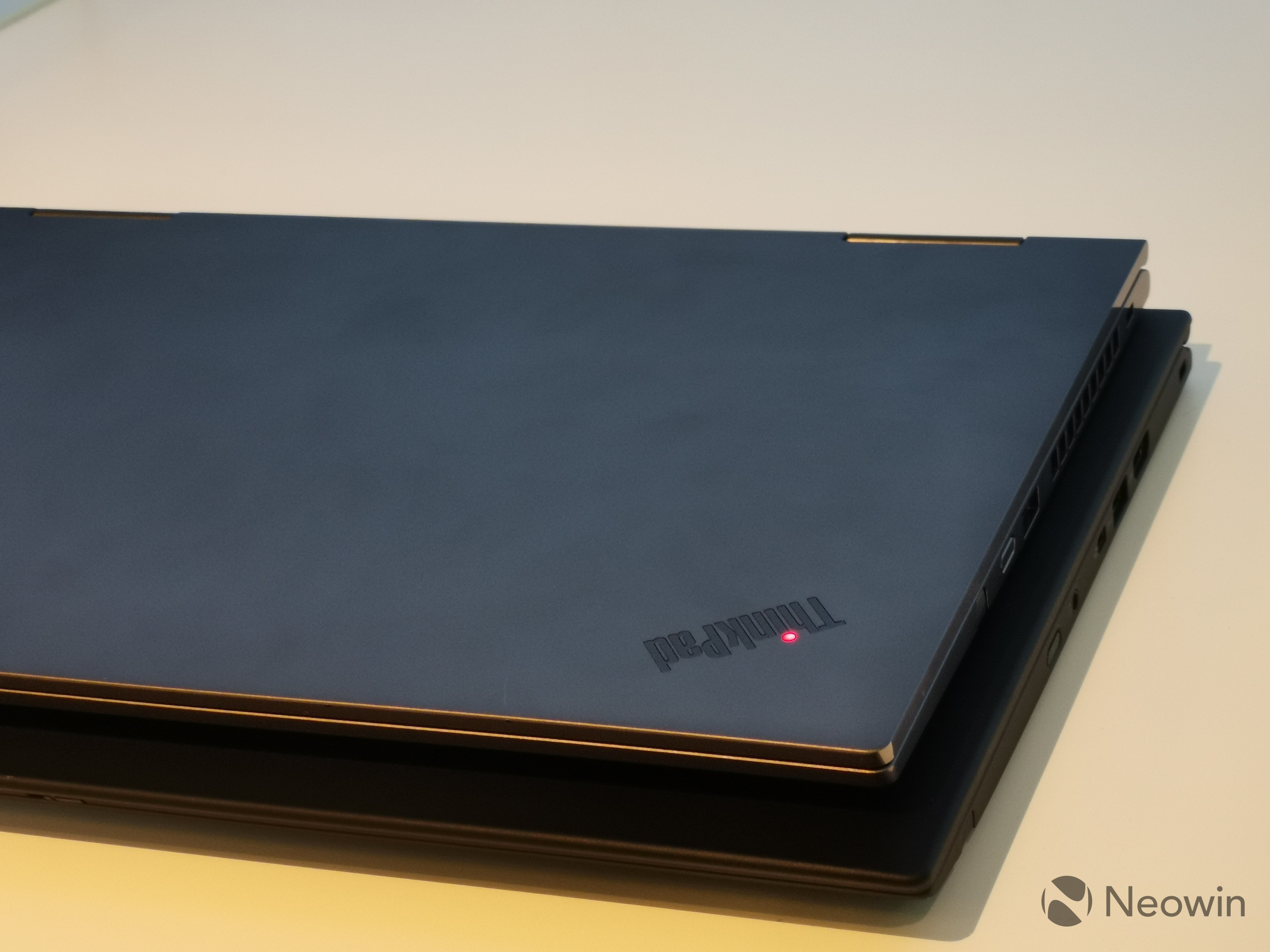 Hands on with Lenovo's new ThinkPad X1 Carbon and Yoga - Neowin