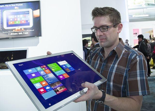 http://www.neowin.net/images/uploaded/1_gavin-with-panasonic-4k-tablet-1200_12c0c308dss.jpg