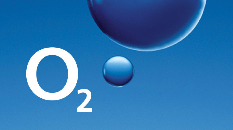 O2 logo on blue bubble background
