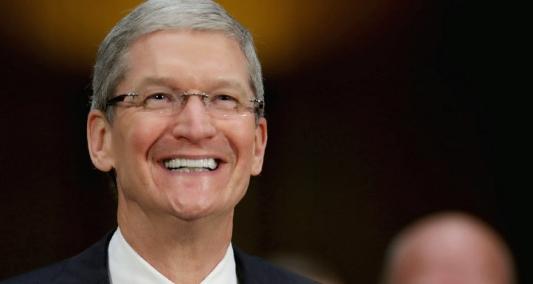 Apple's Tim Cook must fly private, after earned $102 mn in 2017