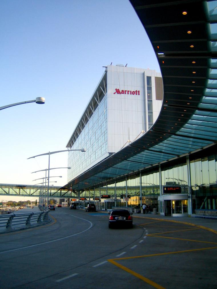 Hotel Marriott Aeroport De Montreal
