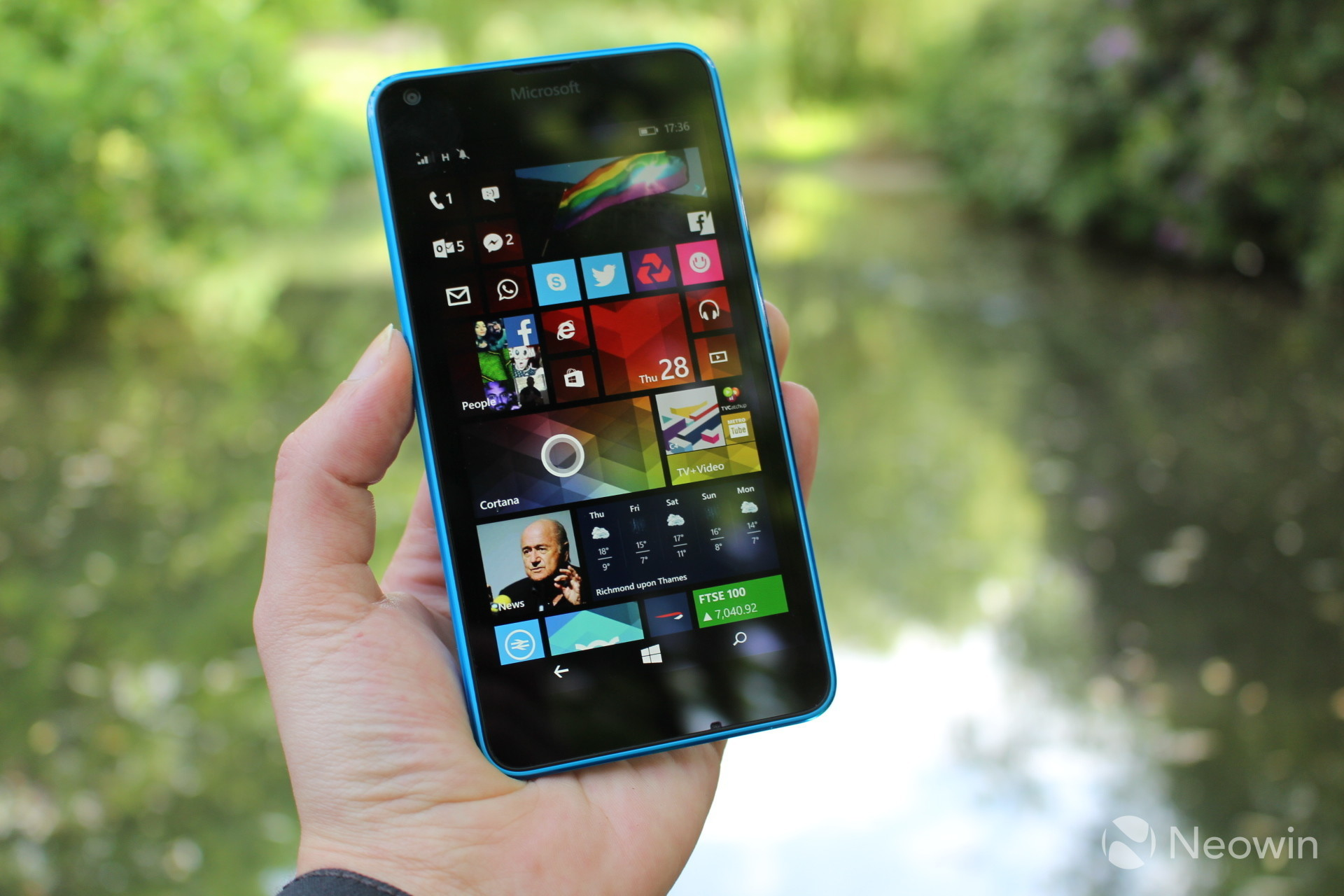 Lumia 640 windows 10 mobile experience on the web windows central - Over The Last Few Weeks I Ve Been Testing Both The Lumia 640 And 640 Xl And Earlier This Month We Published Our Review Of The Larger Device