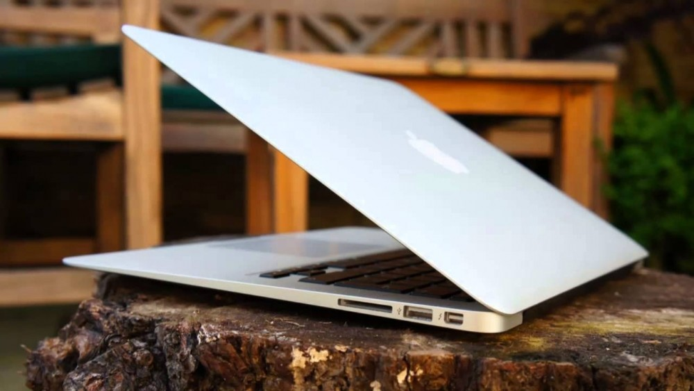 Apple may launch a cheaper Mac Air this year