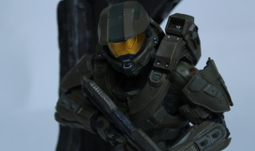 This image shows Master Chief in Halo 5