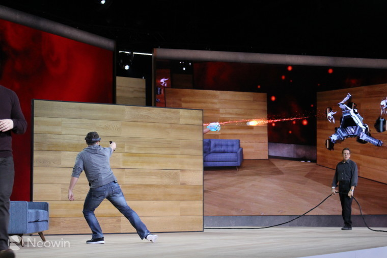 Microsoft's HoloLens battery lasts up to 5.5 hours