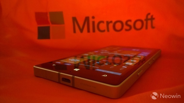 Microsoft's phone revenues fell by 71% YoY - but it's not saying how many phones it sold