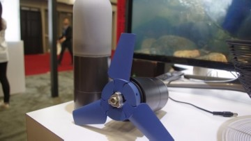 enomad-portable-hydroelectric-charger-1