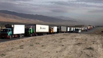 convoy_of_trucks_in_afghanistan
