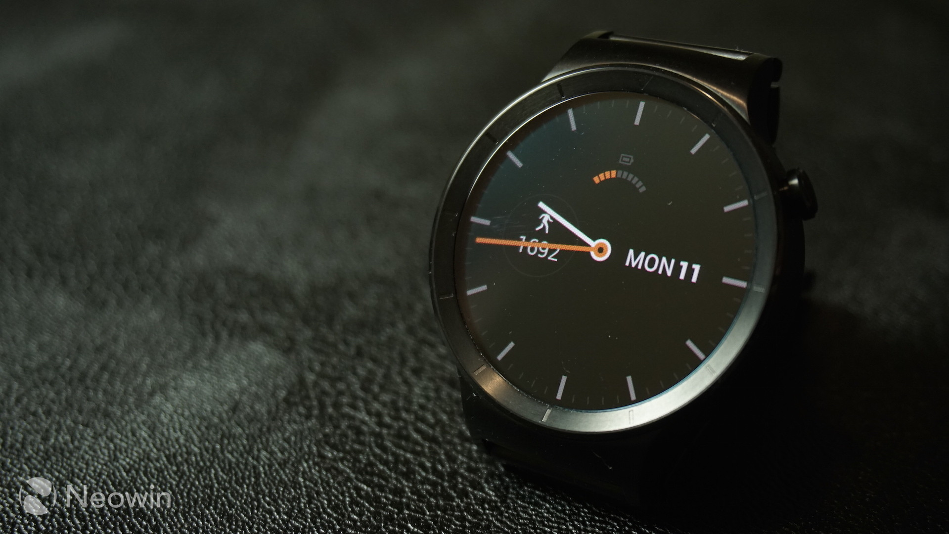 First 24 Hands On With The Huawei Watch Neowin Smart Black Stainless Steel After Pairing Android Wear Will Perform Needed Updates And Also Download Compatible Apps From Your Phone To