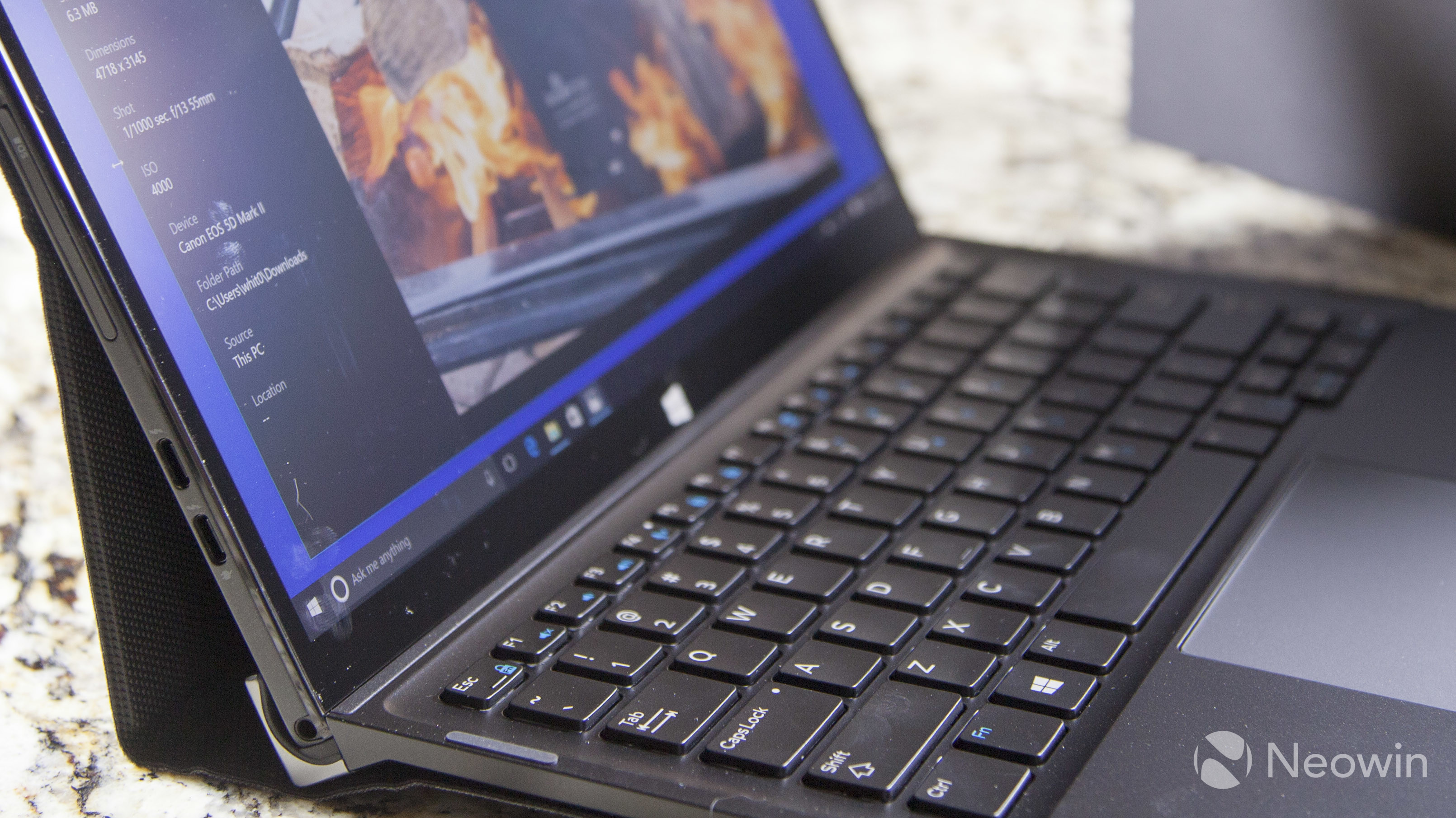 Review of the Dell XPS 12 2-in-1, a Surface Pro competitor that