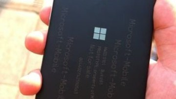 1468319083_cancelled_lumia_850_leak_(3)