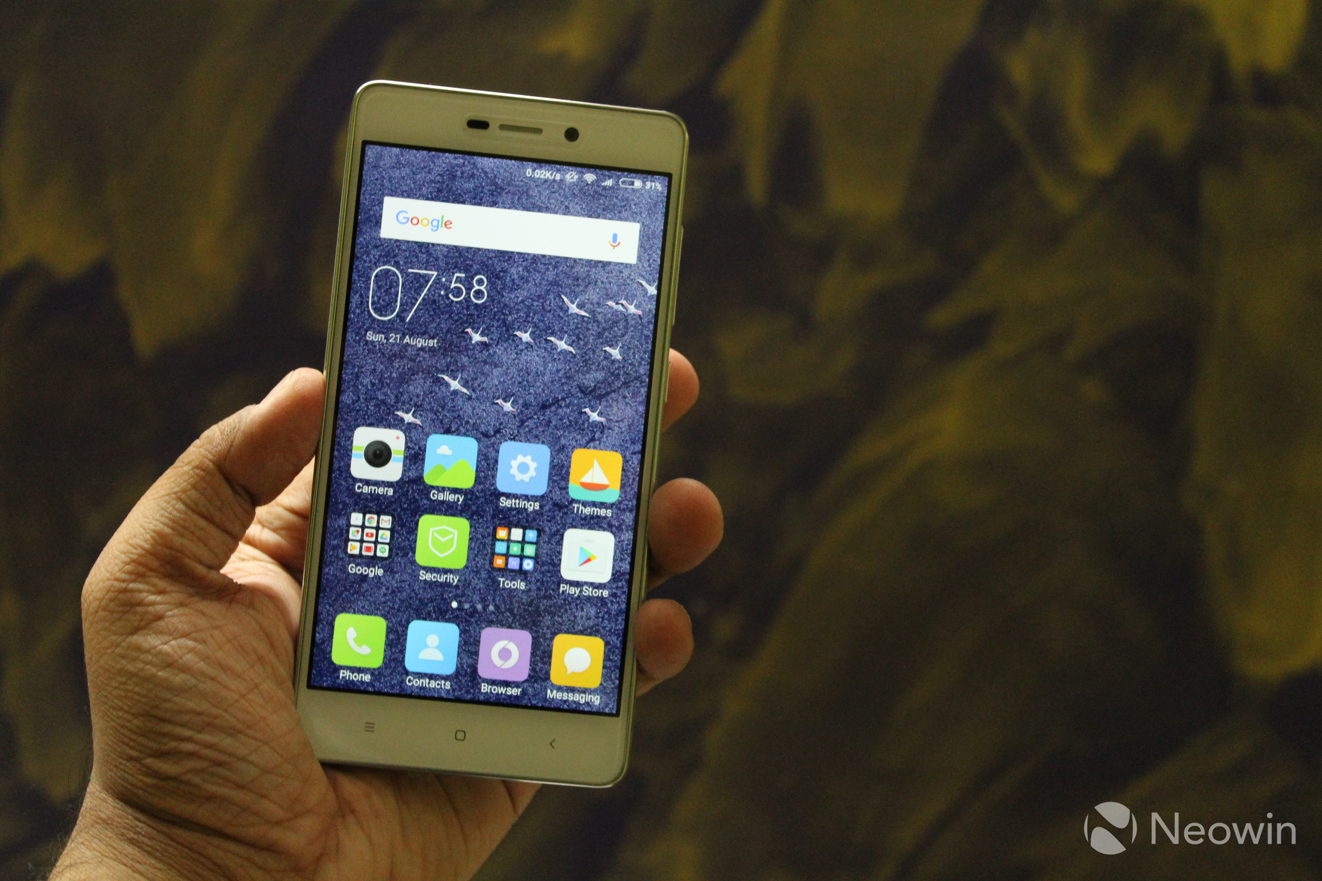 Xiaomi Redmi 3s Prime Review Plenty Of Hits A Few Misses Neowin 3x Ram 2 32gb Having Said That The Device Is Good Looking And Has Premium Feel To It Owing Metal Back Glass Front Smartphone Doesnt Feature