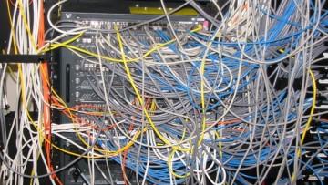 1479472678_network_messy