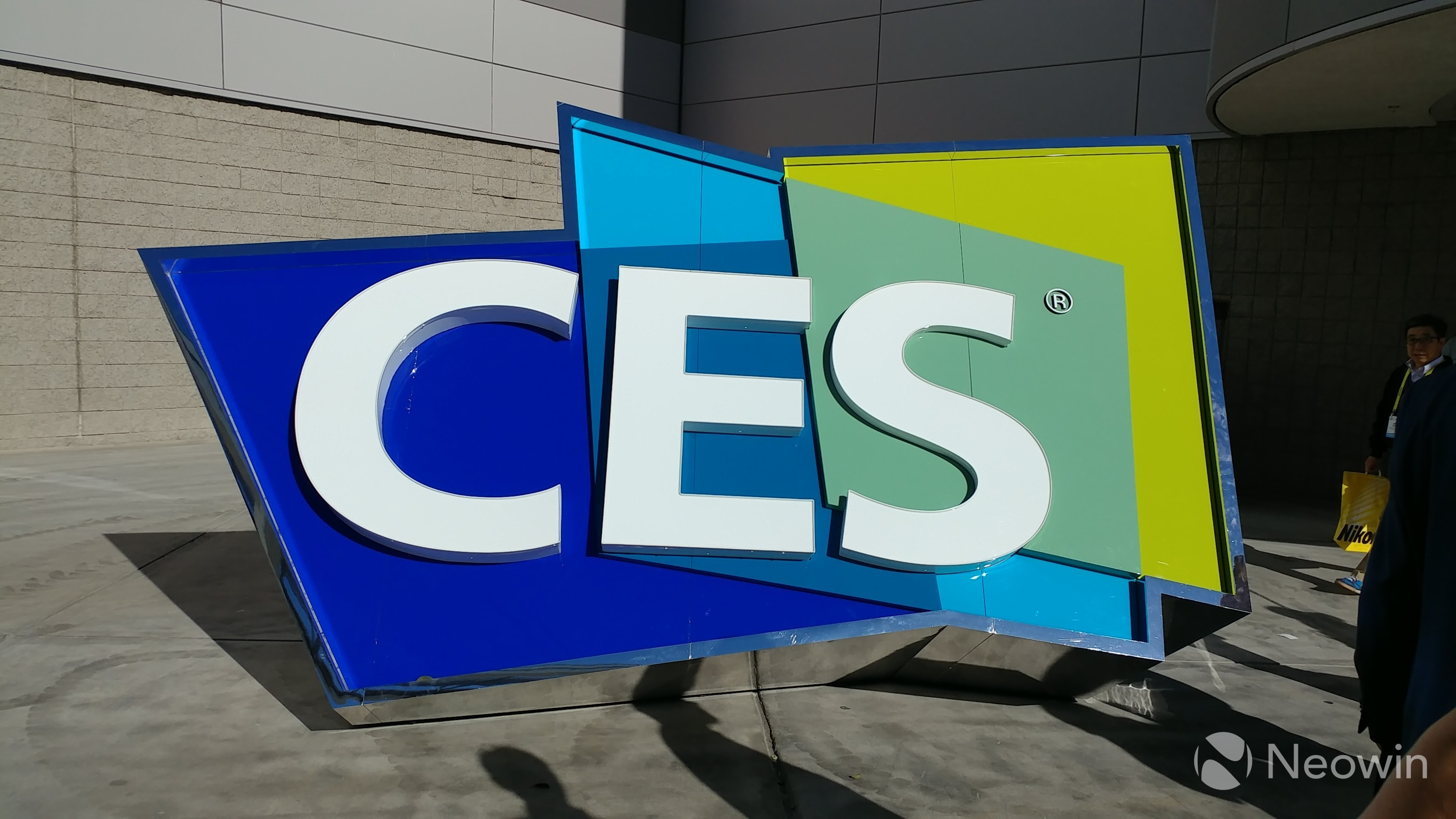 Samsung To Launch 3 Projects, 7 Startups At CES