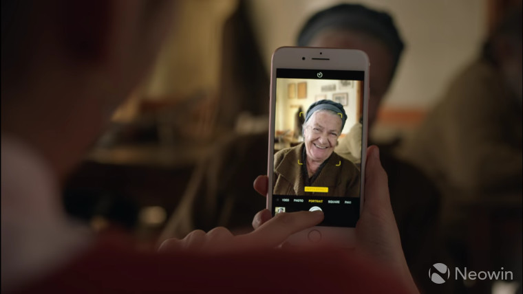 Apple shows off Portrait mode for the iPhone 7 Plus in a new ad