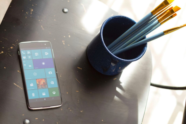 Alcatel's delayed Windows 10 Mobile flagship finally