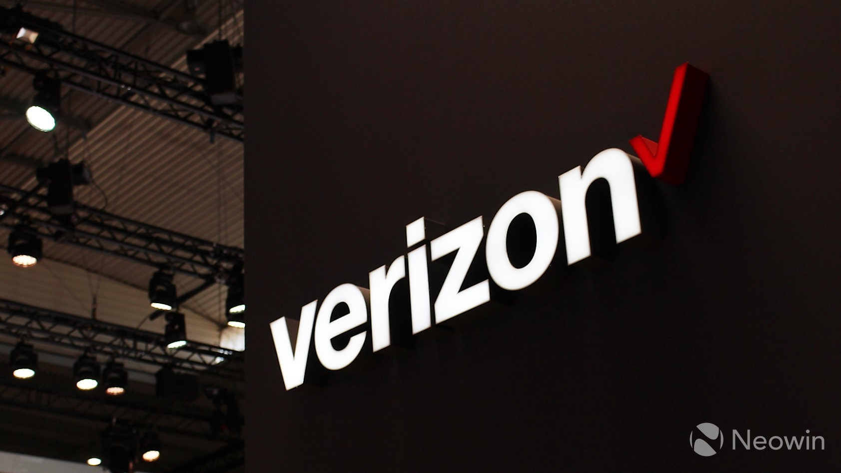 Verizon lifts data speed caps for first responders