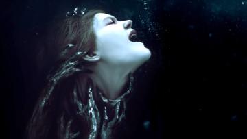 1502876039_blackmirror_drowningposter_bg