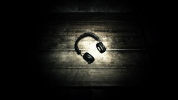 1503486556_headphones