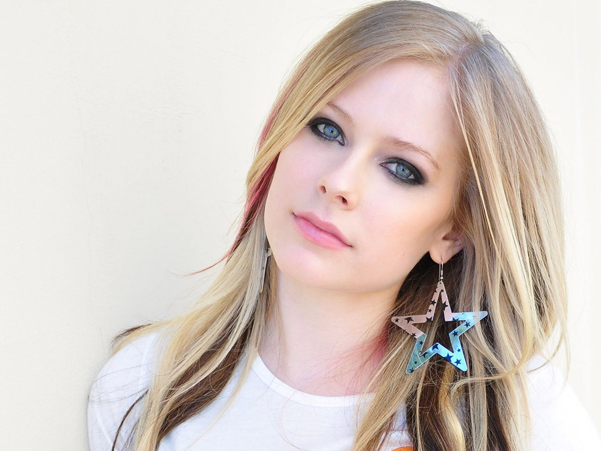 Avril Lavigne now the 'most dangerous celebrity' online ... Avril Lavigne