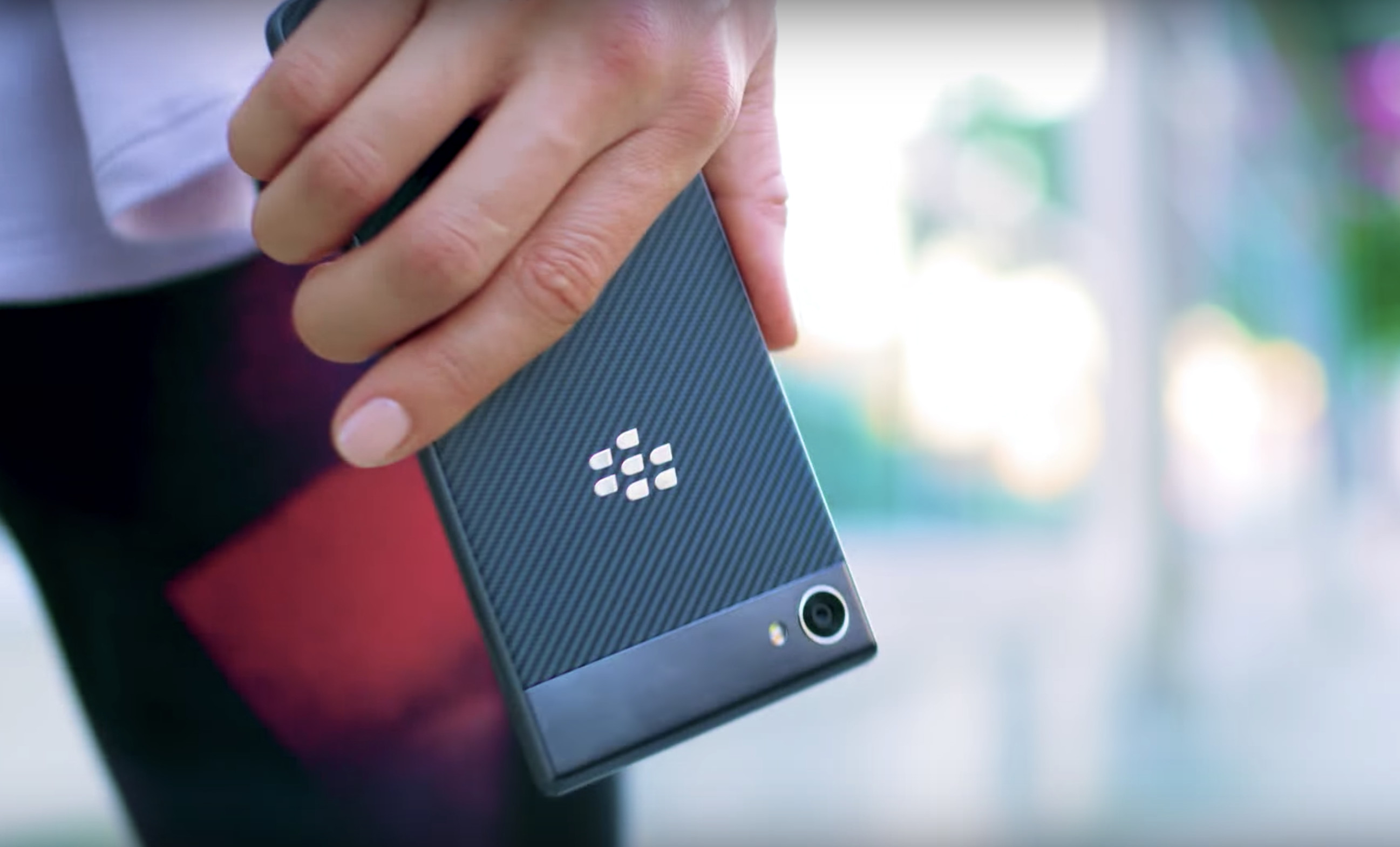 IP67-rated BlackBerry Motion launches in Canada on November 10