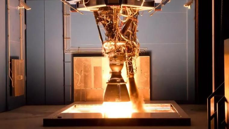 SpaceX Merlin rocket engine explodes during test