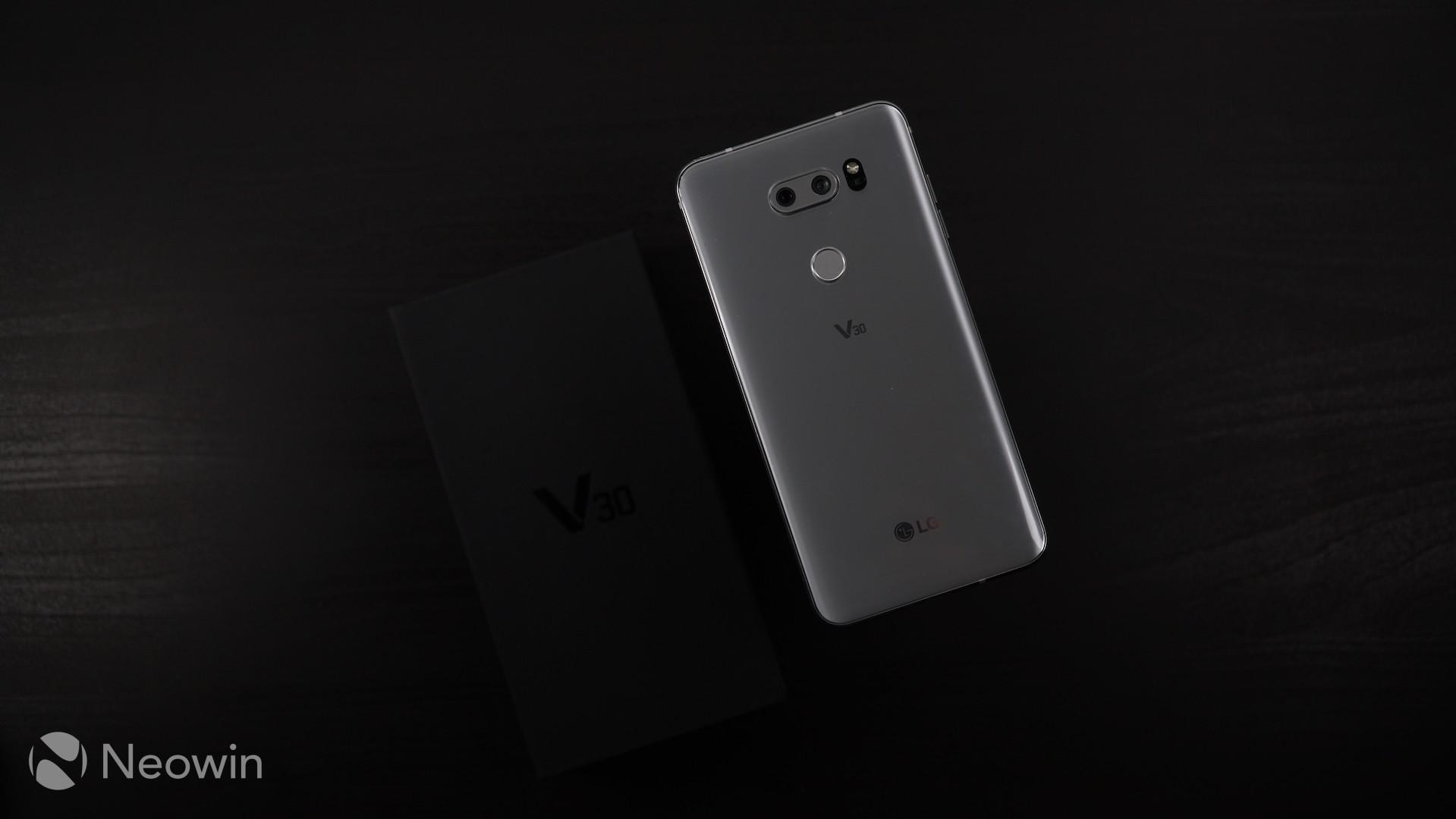 Review LG V30, Semua yang Anda Inginkan Dalam Satu Smartphone