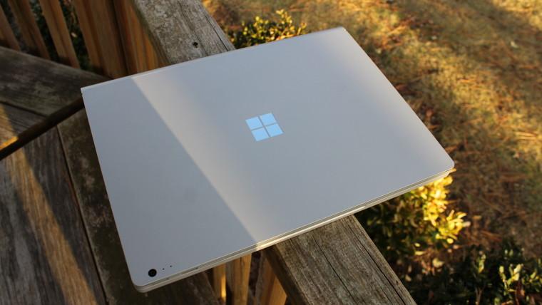 يحتوي Surface Book 3 على وحدات معالجة رسومات Quadro ، تصل إلى 32 جيجابايت من ذاكرة الوصول العشوائي ، وفقًا لتجار التجزئة الأوروبيين 1