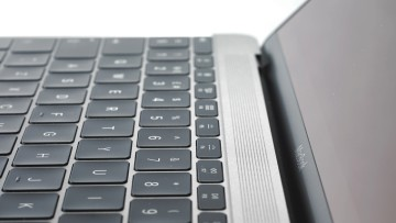 1520599976_apple-macbook-2015-keyboard-close-up_0