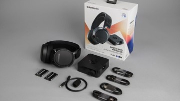 1520813567_whats_in_the_box_arctis_pro_wireless_preview