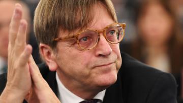 1532977400_guy-verhofstadt