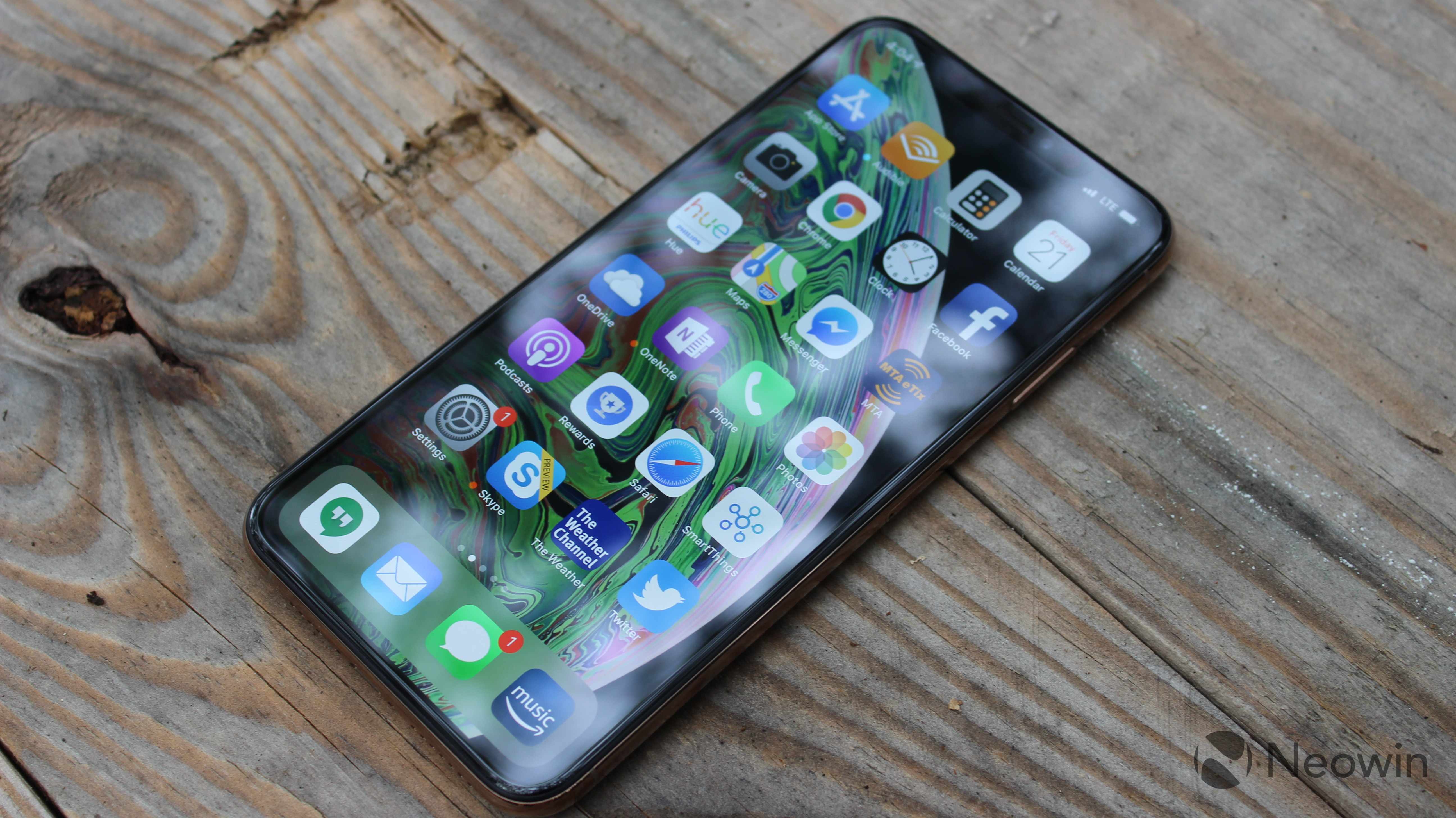 newest 680f5 43ff2 Big surprise: iPhone Xs Max has the best smartphone display ever ...