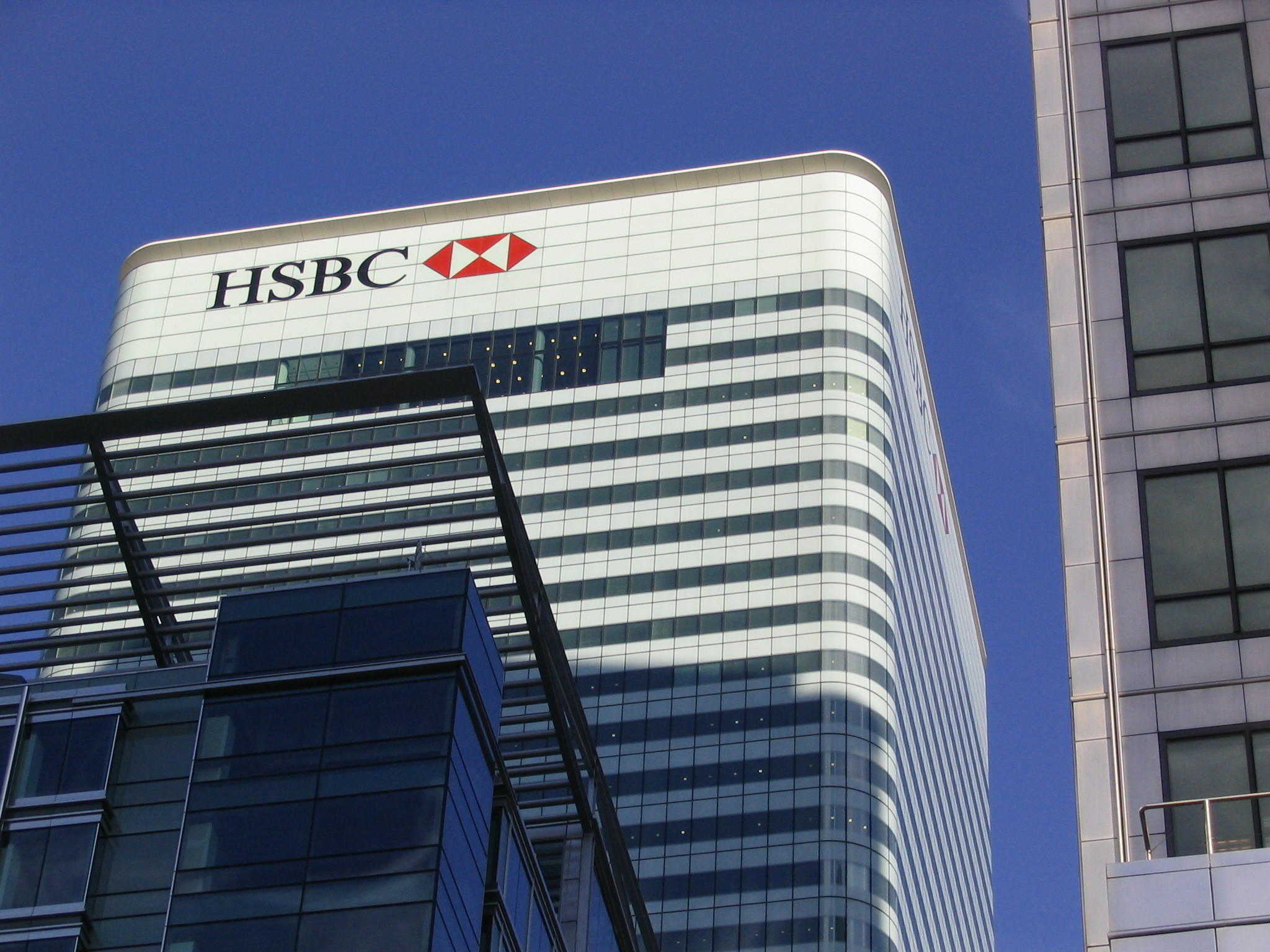 HSBC UK mobile banking is 'recovering' following a glitch, TSB Bank