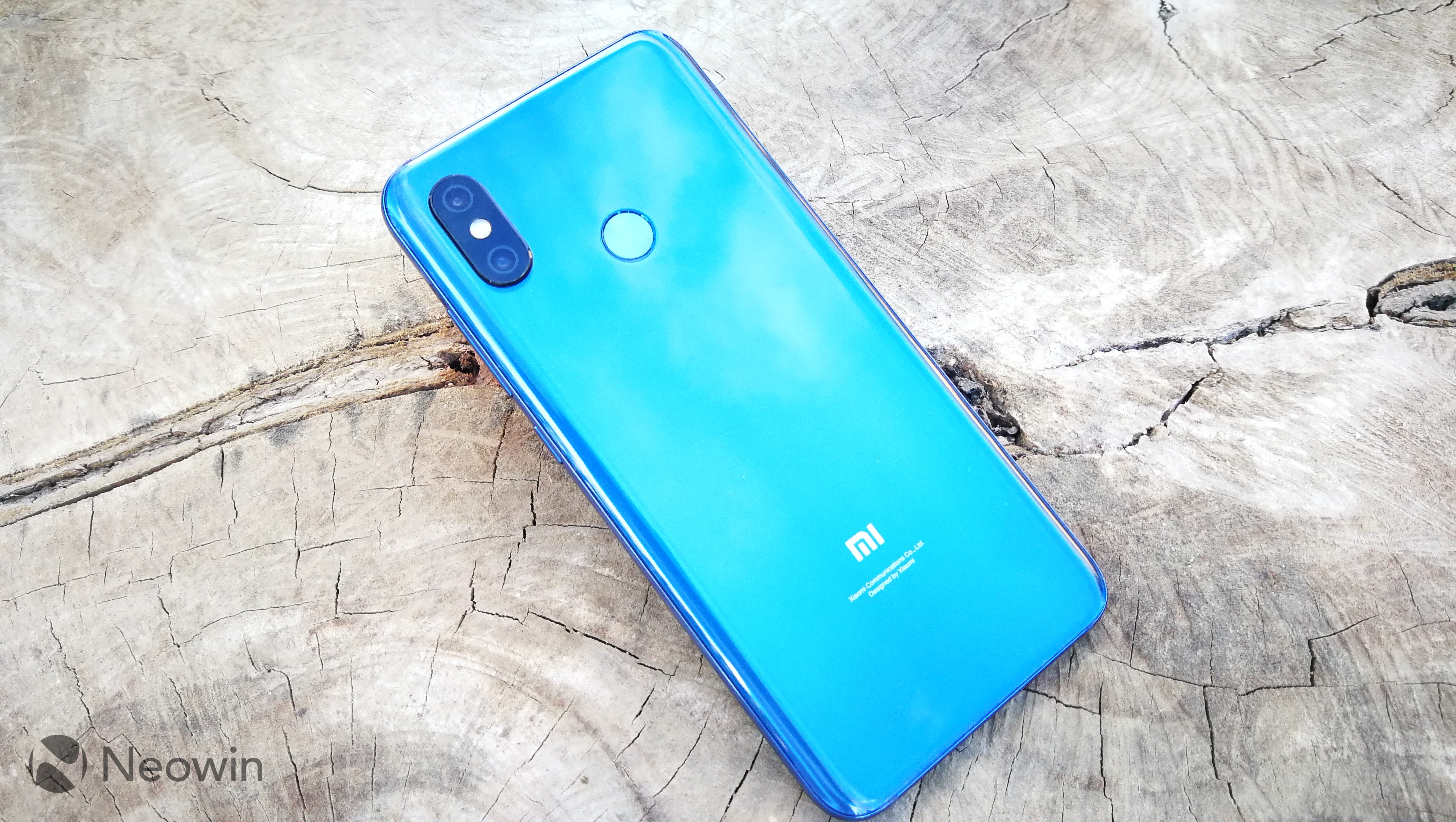 the best attitude 705ce df74c Xiaomi Mi 8 review: A highly spec'd beast that doesn't break the ...