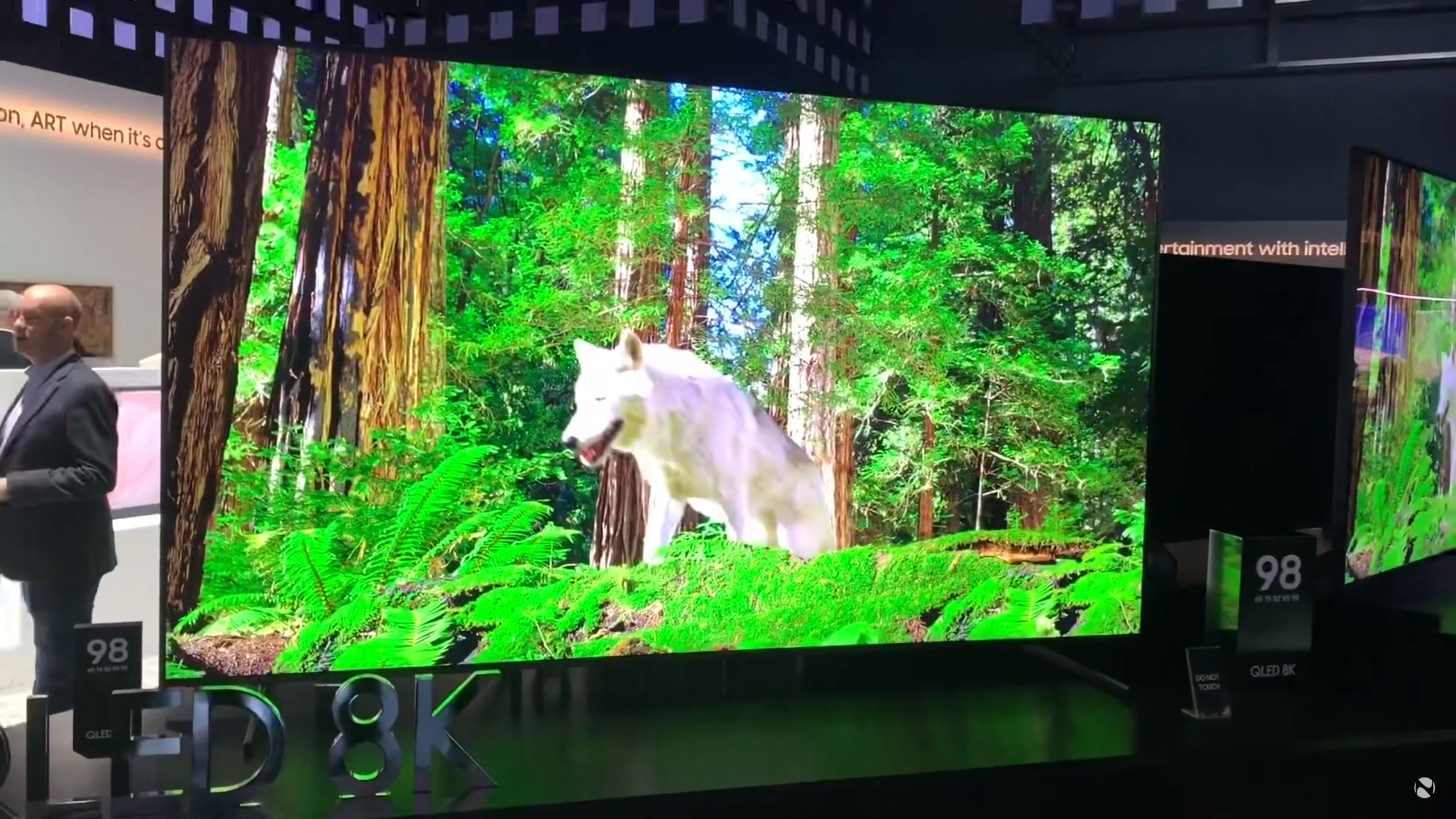 CES 2019: Samsung's booth has 8K QLED TVs, the Wall micro-LED TV