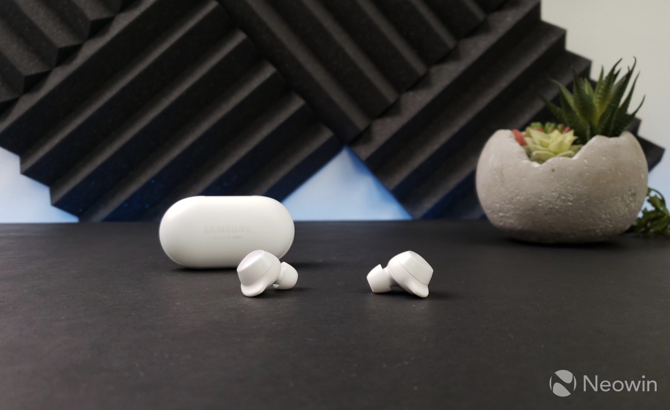 Samsung Galaxy Buds: Unboxing and first impressions - Neowin
