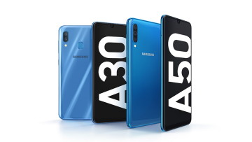 1551103912_galaxy-a3050_product-kv_blueblue_1p_main_1