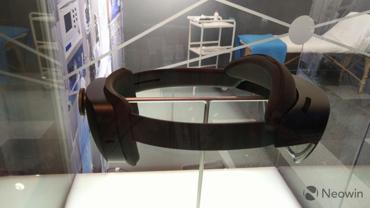 microsoft hololens 2 augmented reality headset