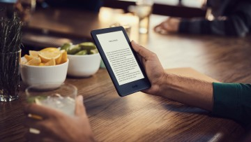 1553092388_all-new_kindle_cafe