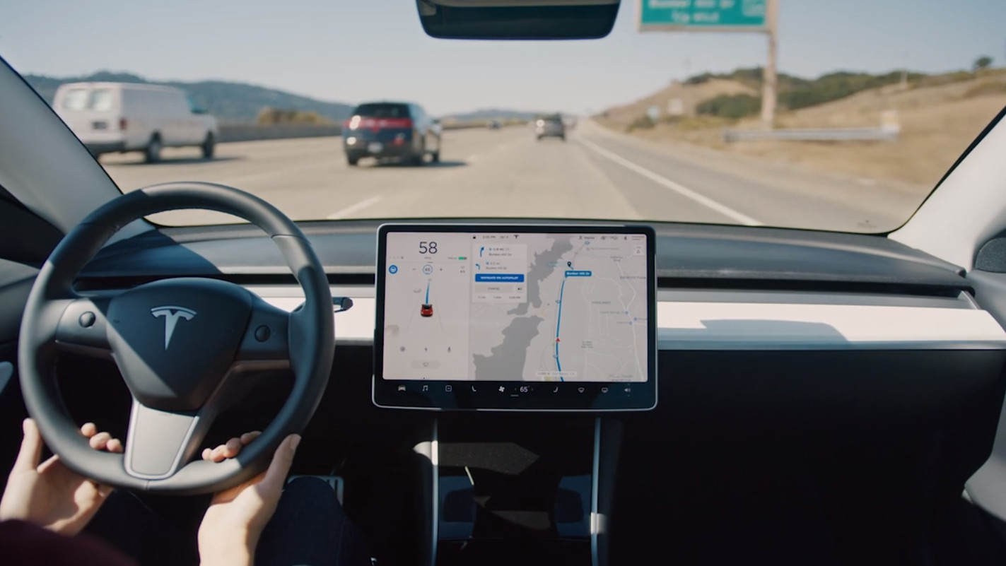 Tesla's Navigate on Autopilot can do lane changes without