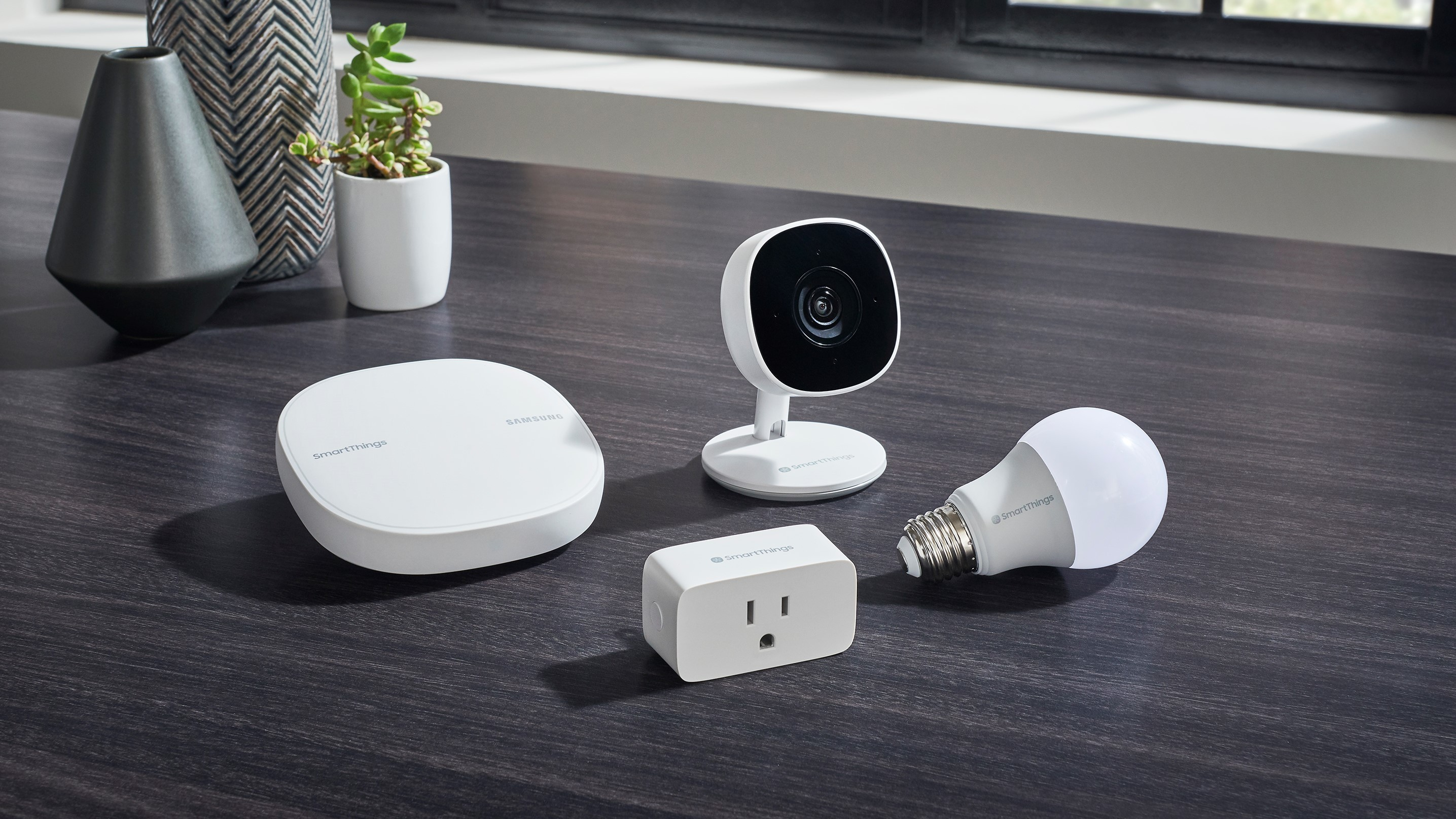 Samsung Introduces New Smartthings Cam Wifi Smart Plug And
