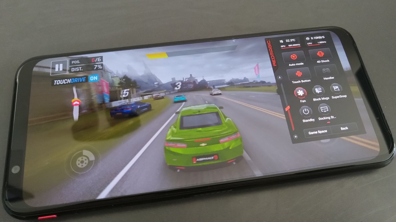 Red Magic 3 review: this gaming phone has two fans now - Neowin