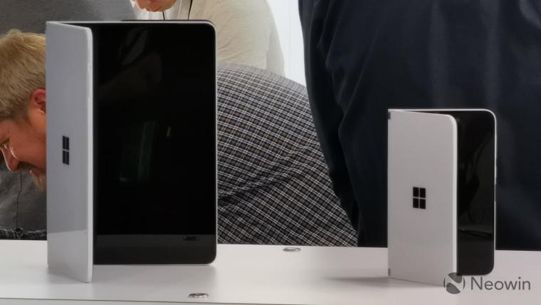 Microsoft Surface Surface được báo cáo là muộn cho đến năm sau, cùng với Windows 10 lần 1